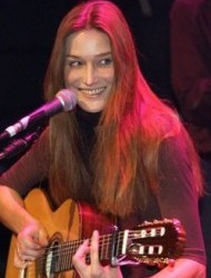 Карла Бруни - певица